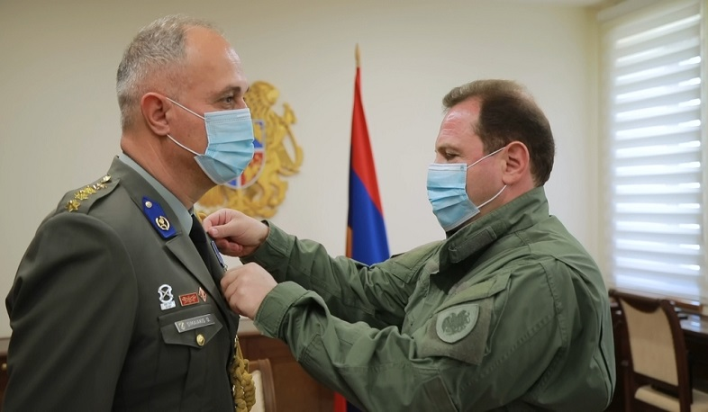David Tonoyan awarded the military attache of the Greek Embassy in Armenia