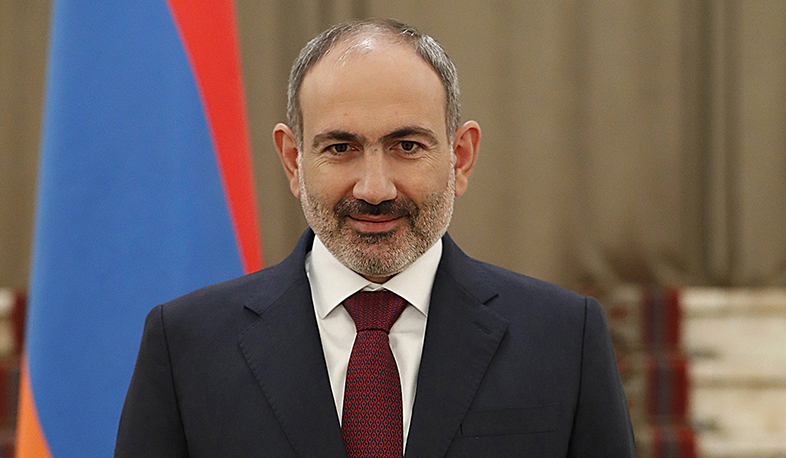 Nikol Pashinyan conveys congratulations to Volodymyr Zelensky
