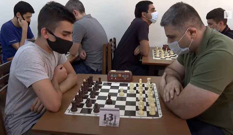 The final of the Yerevan Chess Cup has started