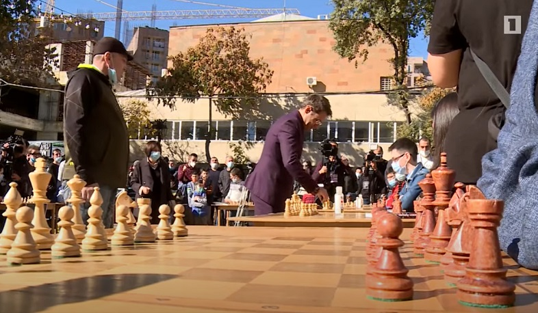 Checkmate to terror. GM Levon Aronian played chess with the children of Artsakh for the Victory