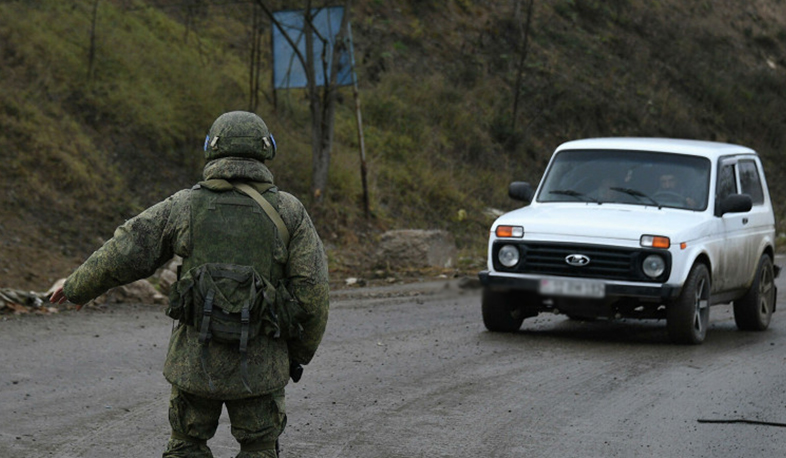 Russian peacekeepers in Nagorno Karabakh ensure the safety of vehicles through the Lachin corridor