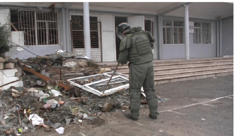 Russian peacekeepers continue demining in Stepanakert social facilities