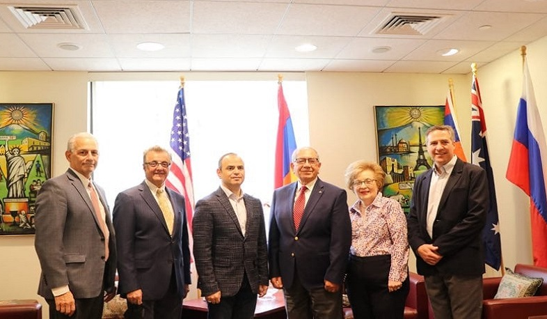 Sinanyan discusses situation of Armenian communities in Middle East with representatives of Armenian Missionary Association of America