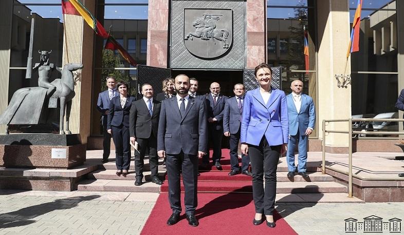 ՀՀ ԱԺ նախագահ Արարատ Միրզոյանը հանդիպել է Լիտվայի Սեյմասի նախագահ Վիկտորյա Չմիլիտե-Նիլսենի հետ