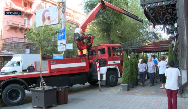 Café-filled Tumanyan street to be freed for pedestrians