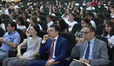 """Ari Tun"": diaspora teenagers hosted in Defence Ministry"