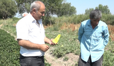 Villagers present their problems to Minister of Agriculture