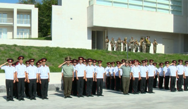 Minister of Defense holds first lesson of Monte Melkonyan college