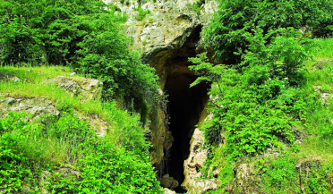 Traces of ancient history in Azokh cave