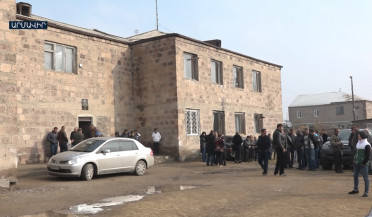 Studying in cold and ramshackle Jrarbi school becomes impossible