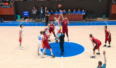 Armenian basketball team beats Albania