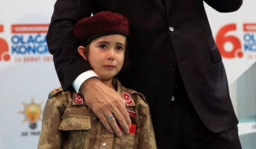 "Erdogan to little girl: ""Maroon berets don't cry"""