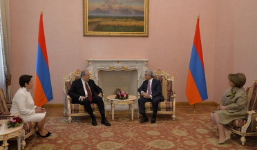 Serzh Sargsyan wishes success to Armen Sargsyan