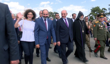 Armenia PM and Artsakh President lead celebration rally