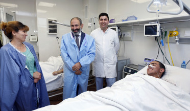 PM visits wounded soldier