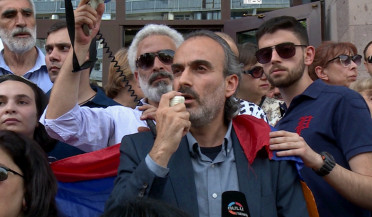 Court frees Sefilian and another five