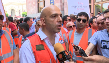 Two groups protest in Yerevan over Amulsar