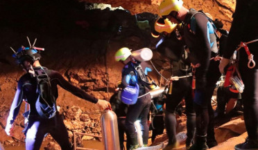 Eight children rescued from Thailand cave