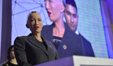 Robot Sophia promises to learn Armenian and French