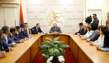 Pashinyan introduces acting ministers