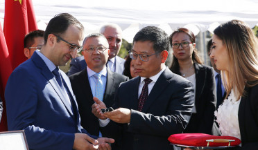 China gives 200 ambulances to Armenia