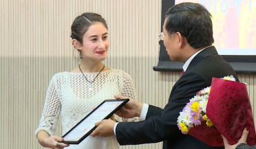 Chinese Ambassador to Armenia rewards students of Chinese language