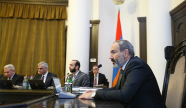 Nikol Pashinyan discusses government priorities