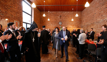Nikol Pashinyan meets representatives of Armenian community in Germany