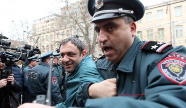 Café employees protest in Yerevan center