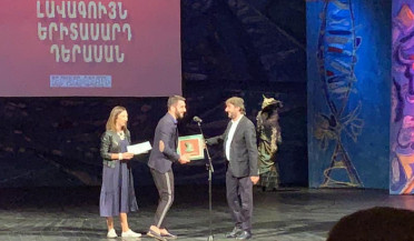 Artavazd Awards reviews theatrical year