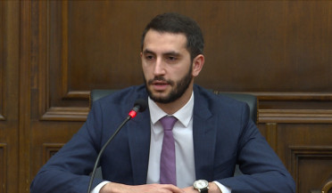 Deputies discuss Pashinyan-Aliyev meeting