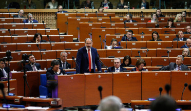 Pashinyan answers questions of PACE deputies