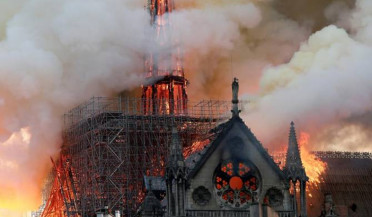 Firefighters prevent Notre Dame Cathedral collapse