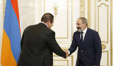 Gagik Tsarukyan meets with Nikol Pashinyan