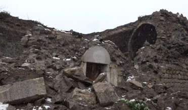 Khdrants Church partially collapses