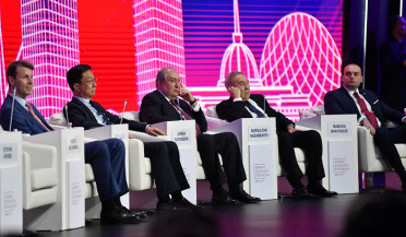 President Sarkissian attends economic forum in Nur-Sultan
