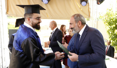 PM visits Yerevan branch of Lomonosov University