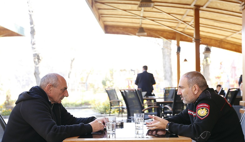 Nikol Pashinyan meets with Bako Sahakyan in Goris