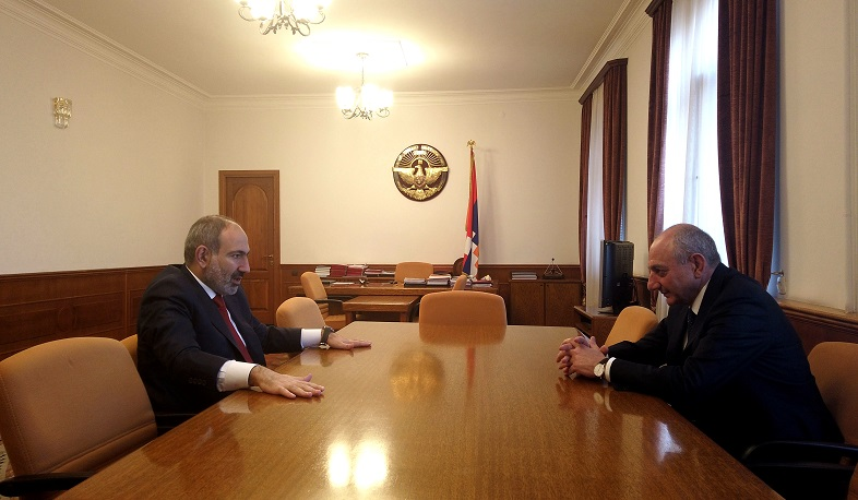 Nikol Pashinyan meets with Bako Sahakyan